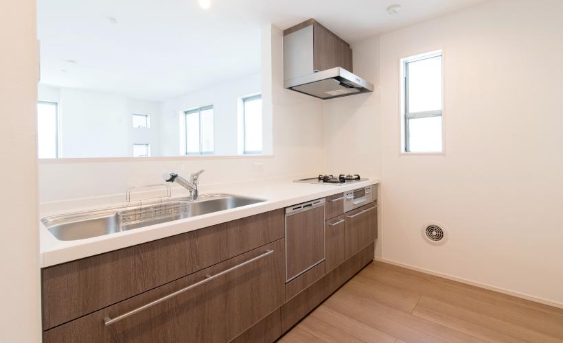 食器洗浄乾燥機付の対面キッチン